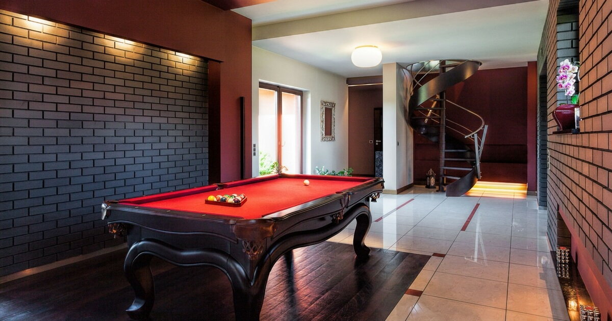 Ideas For Turning Your Garage Into A Great Games Room - Pool table in garage